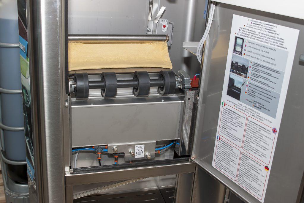 interior distribuitor lavete self-service